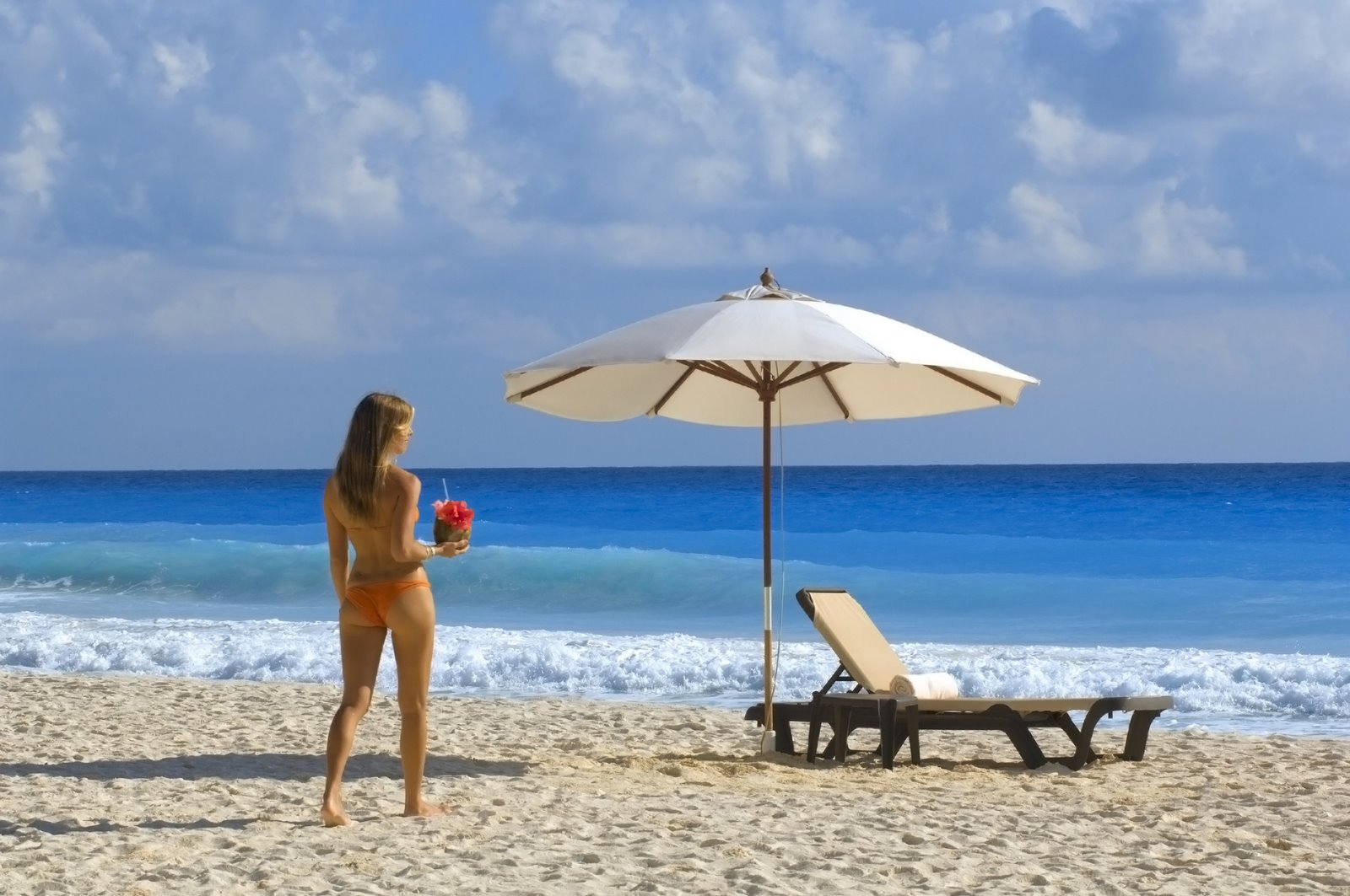 Tropical vacations for singles