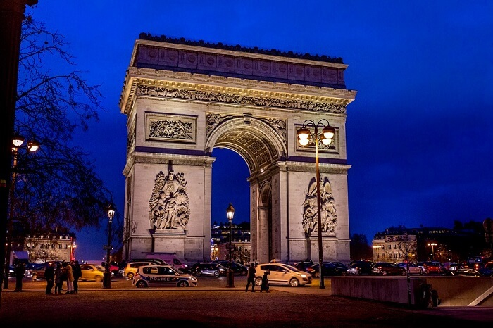 beautiful touristic attractions in Paris