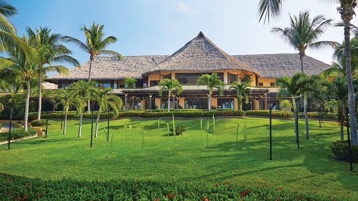 four seasons punta mita hotel outside