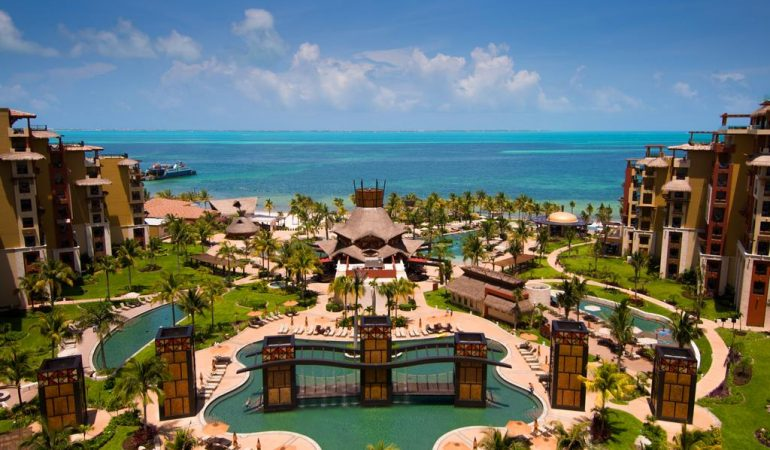 7 Reasons to Stay at Villa Del Palmar Cancun